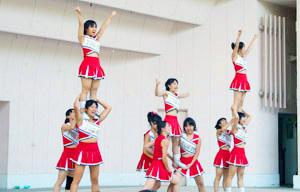京都大学-トピックス 2007年8月5日 全国七大学応援団・応援部合同演舞演奏会が開催されました